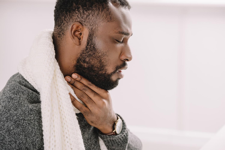 Maux de gorge: comment les soulager?