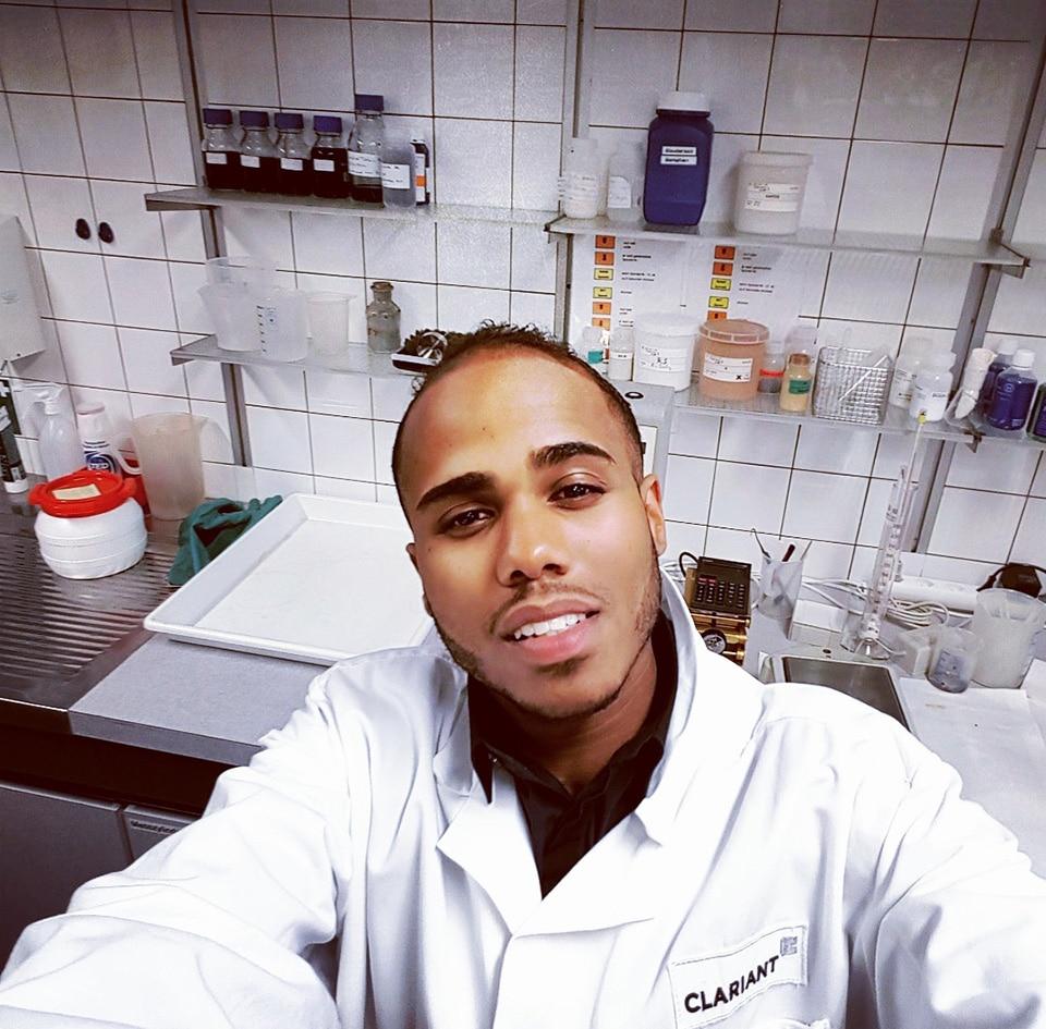 Damien au laboratoire de Clariant à Bâle pendant sa thèse