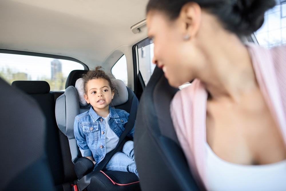 jeu voiture voyage enfant famille mot voiture jumelle jeune petit