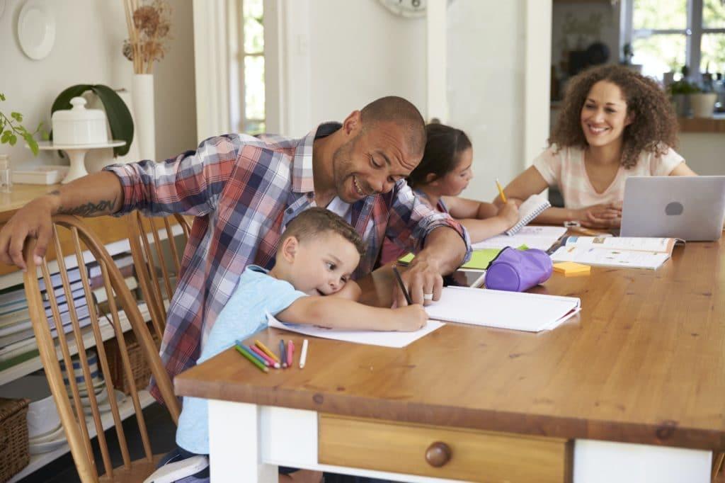 encourager communiquer parent scolarité enfant école